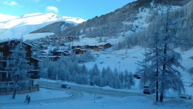 Val d'Allos - La Foux - tres bonne  neiges. belle pistes bien  damée  - © guillametlucien