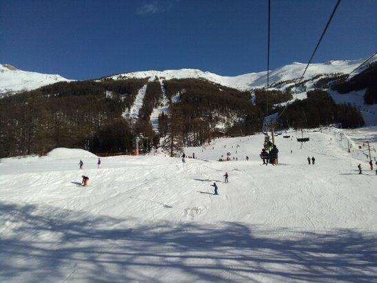 Les Orres - une bien belle semaine aux Orres, avec des températures très douces.manque de neige par endroits mais les conditions sont bonnes. on s'éclate ! - © flehma