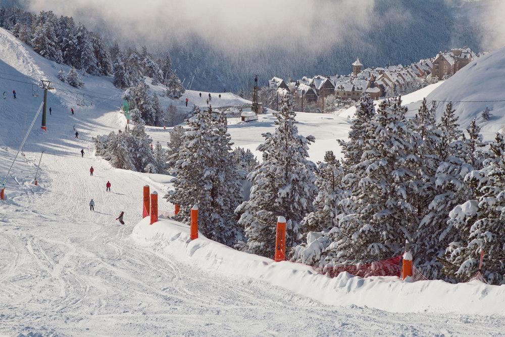 Sur les pistes de ski de Baqueira Beret - © Station de Baqueira Beret