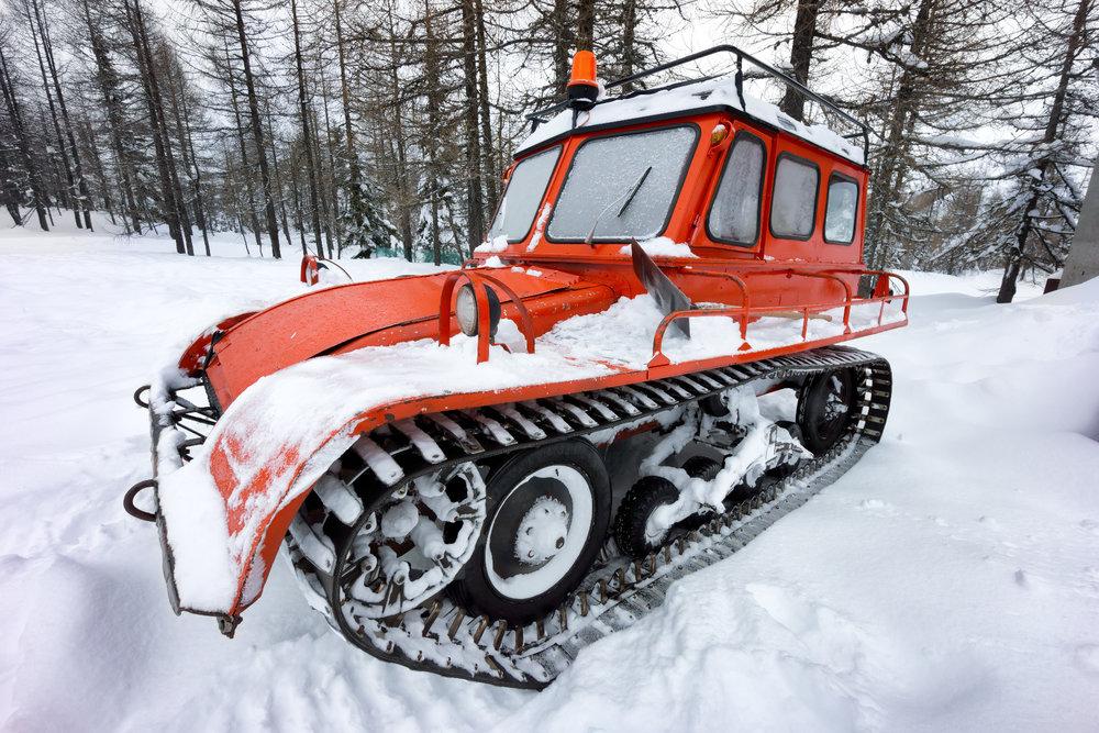 Dans certaines contrées reculées, les derniers kilomètres jusqu'à la station de ski s'effectuent dans de droles de taxi... Depaysement garanti ! - © Il fede - Fotolia.com