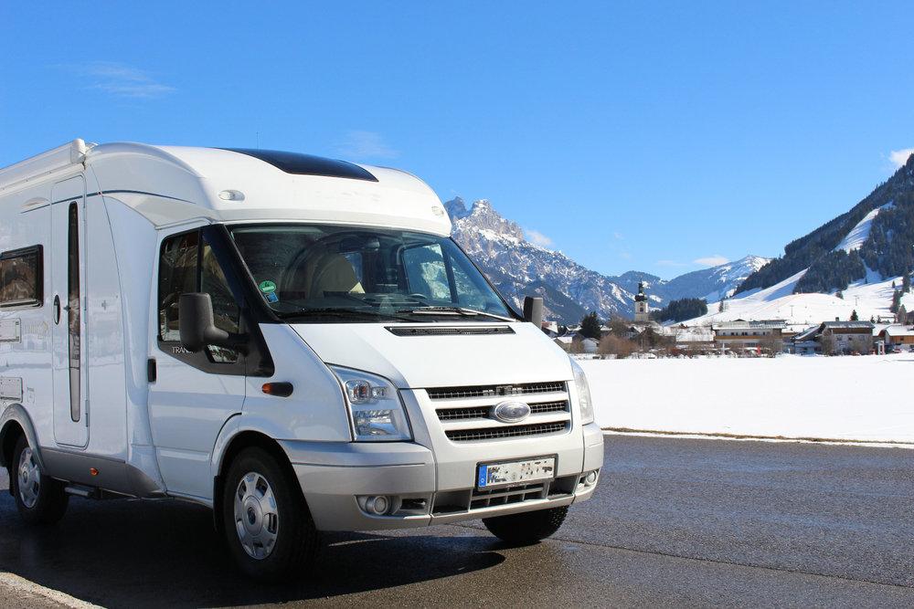 Le camping car est un moyen économe et pratique pour s'organiser un trip itinérant de station en station - © Travel3000 - Fotolia.com