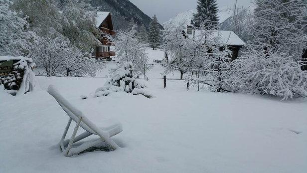 Macugnaga - Ieri mattina. Oggi si scia Monte ZMoro e sino 1 maggio. - © iPhone di Pietro