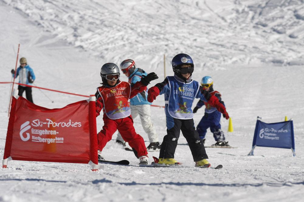 Kinder im Skigebiet Grasgehren - © © Grasgehrenlifte Betriebs GmbH