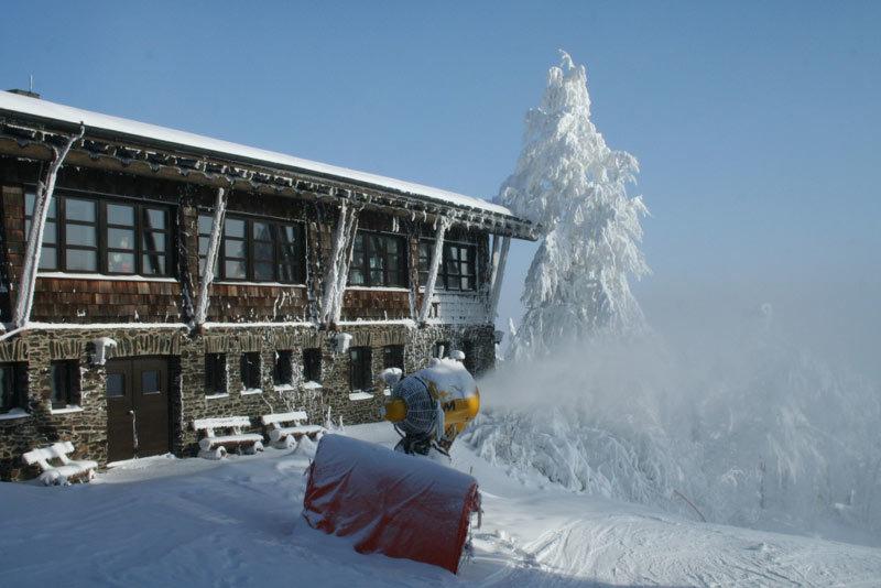 Beschneiung im Skigebiet Hohenbogen