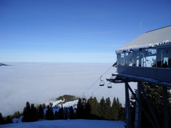 Sesselbahn bei Immenstadt am Mittag Ski Center
