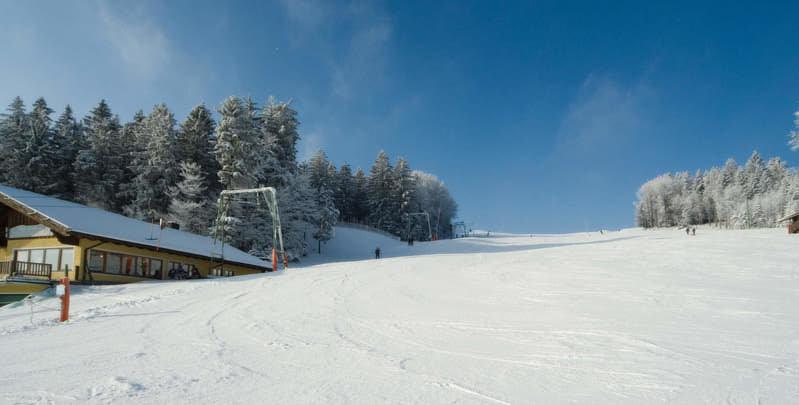 Eindrücke vom Skigebiet Steinberglift bei Langfurth in der Region Sonnenwald