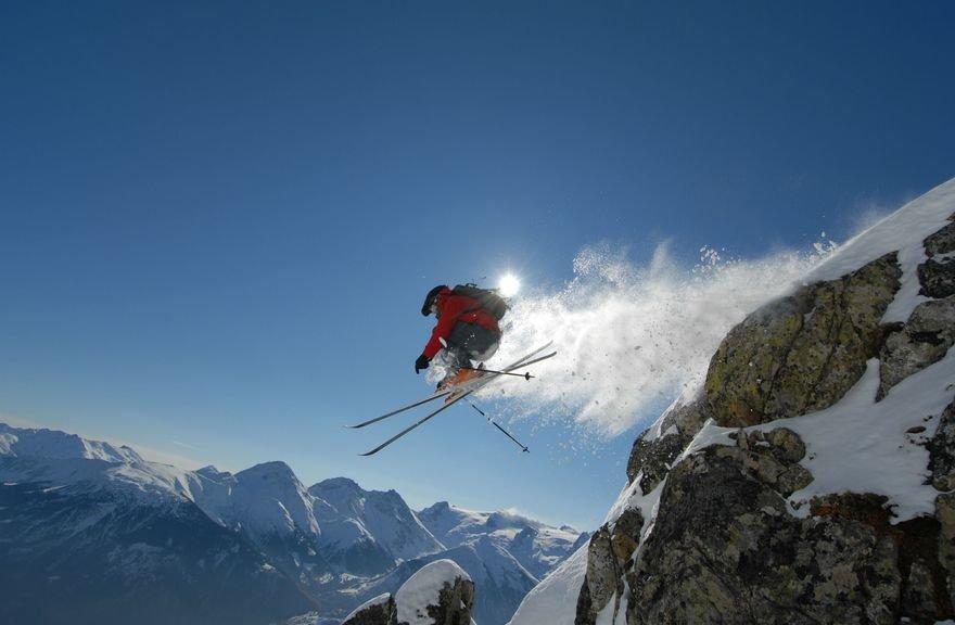Freerider erwartet im Skigebiet Disentis 3000 ein El Dorado. - © Sedrun Disentis Tourismus
