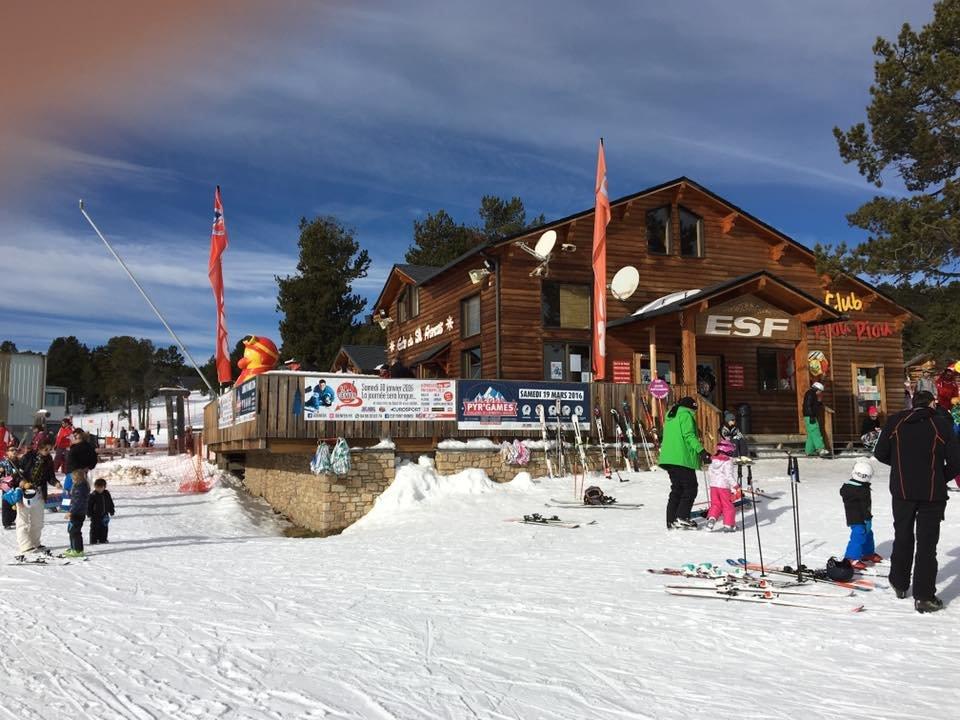 Les locaux de l'école du ski français (ESF) de Font Romeu - © Station de Font-Romeu Pyrénées 2000