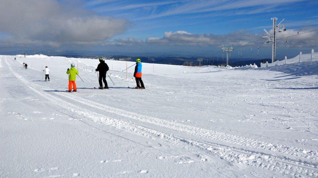 Sur les pistes de ski de Chalmazel - © Station de Chalmazel