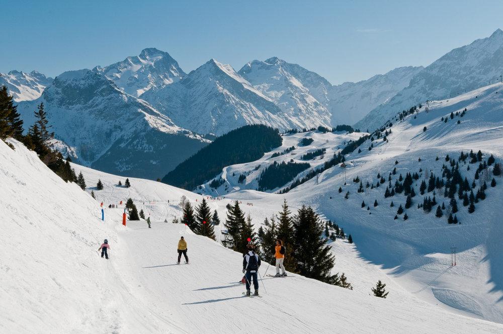 Dépaysement garanti sur le domaine skiable d'Auris en Oisans, à quelques encablures de l'Alpe d'Huez - © Station d'Auris en Oisans