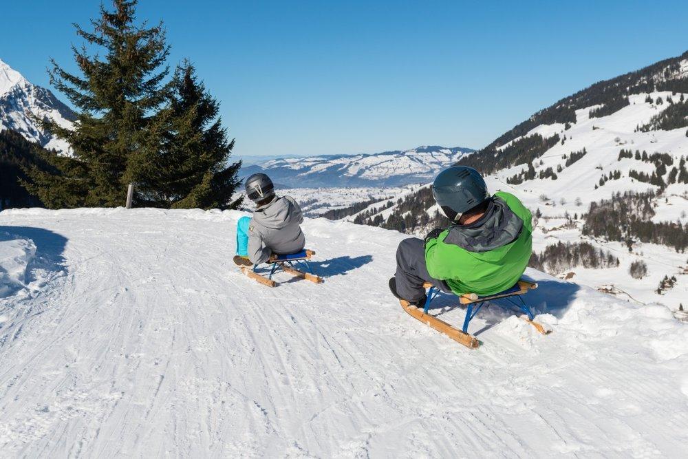 Das Skigebiet Kiental lädt auch zum Skifahren ein - © Sportbahnen Kiental AG