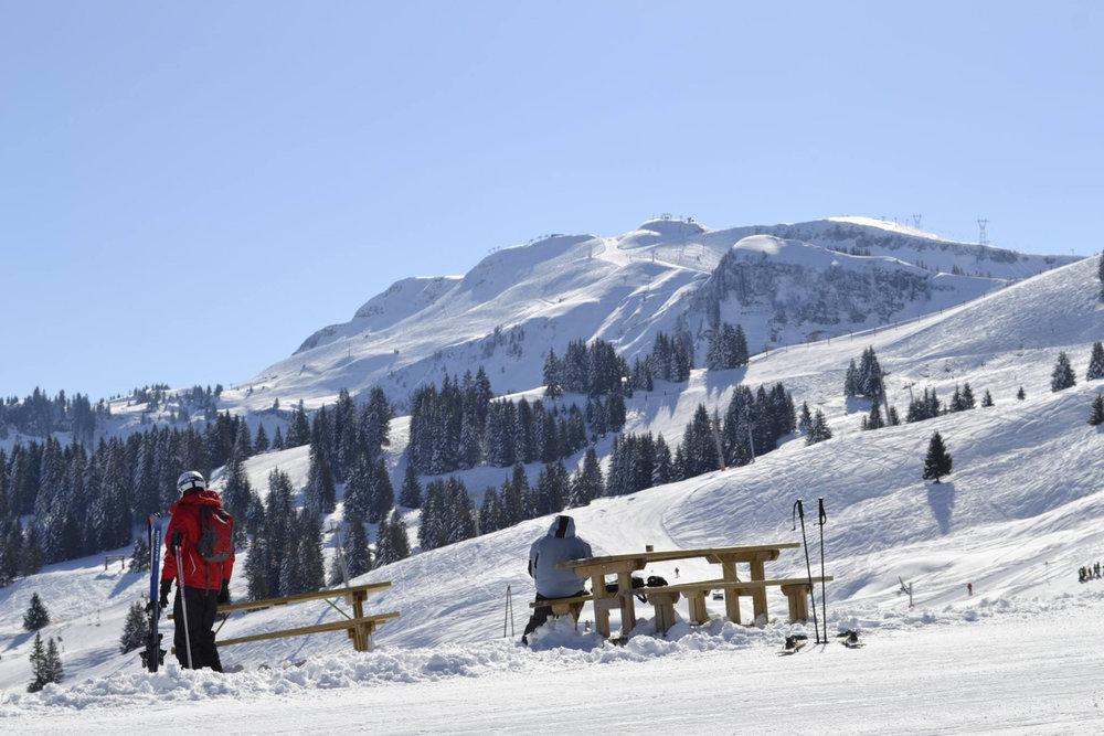 Prendre le temps de profiter, c'est aussi ça le secret d'un séjour au ski à Morillon - © Morillon Tourisme