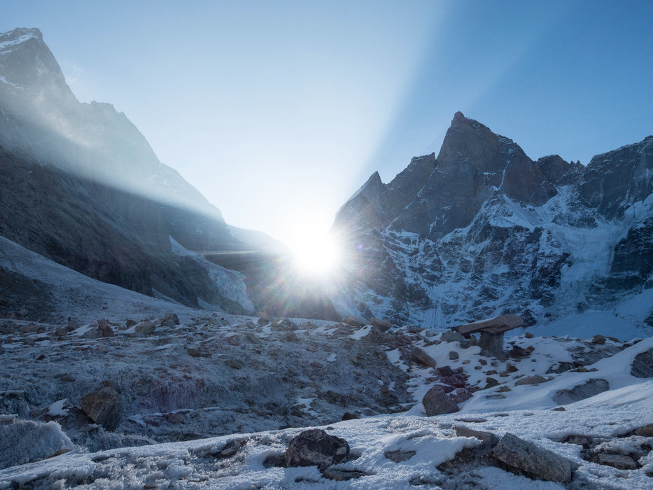 Sonnenaufgang am Cerro Kishtwar. First Light! - ©Timeline Productions