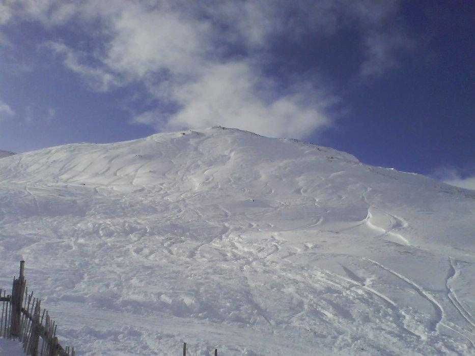 Fresh ski and board tracks at Glencoe (Glencoe Mountain Ltd)