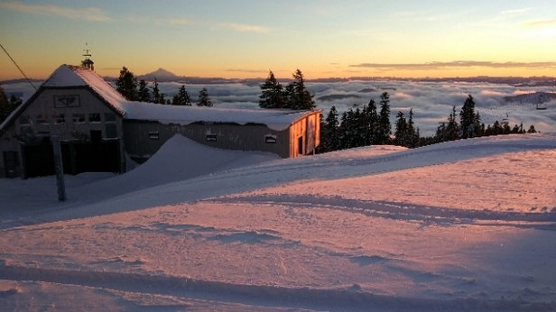 Timberline Lodge - A beautiful day at Timberline! - © JL Beaverton
