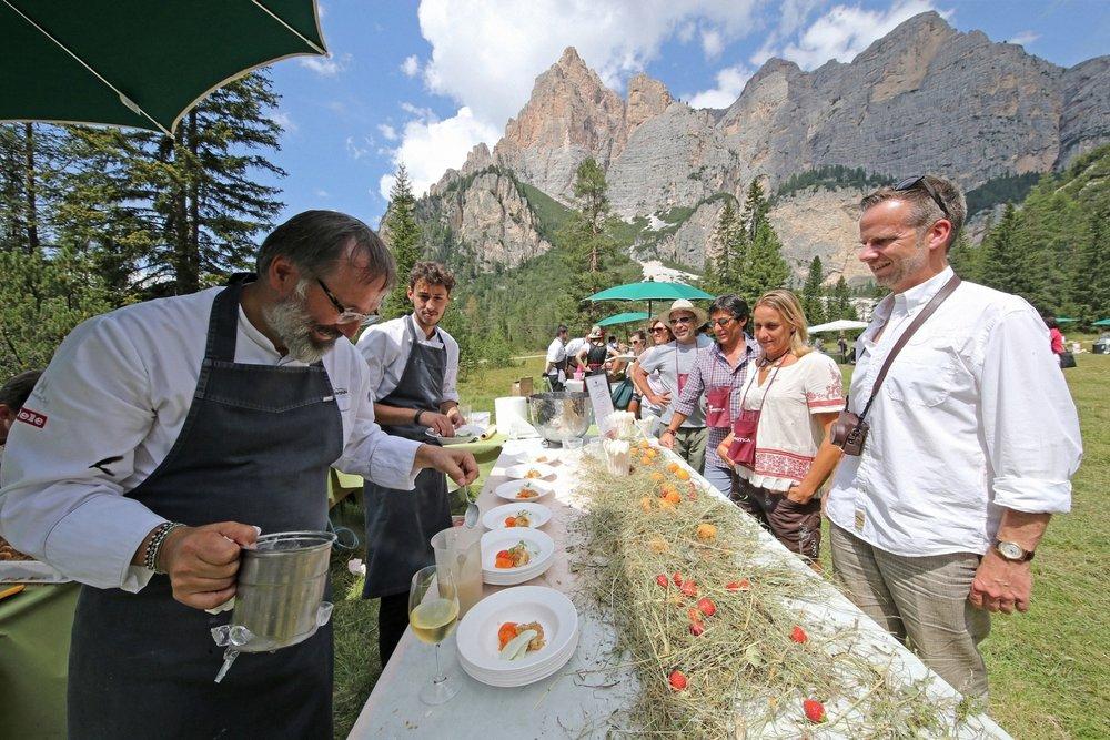 La Dolomitica: il picnic più stellato d'Italia si gusta in Alta Badia - © Freddy Planinschek -