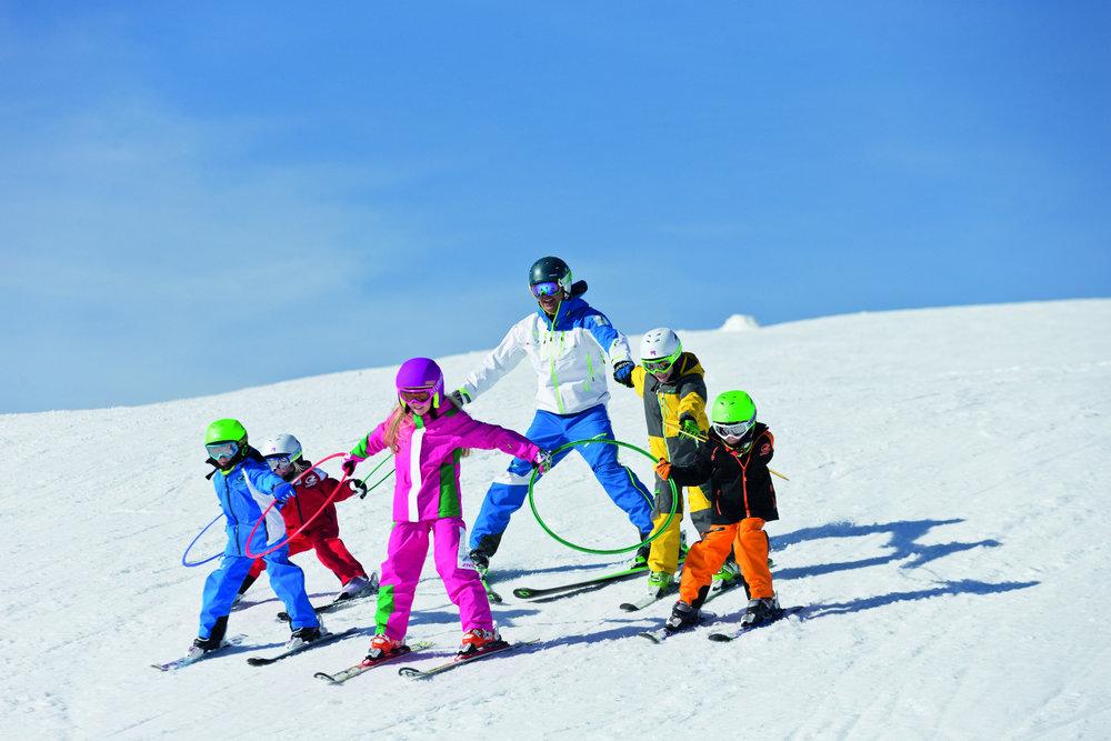 Kinder in der Skischule  - © Bayern Tourismus