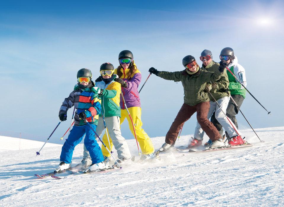 Familienskifahren in Bayern: Das Skizentrum Mitterdorf hält für Familien einiges bereit - © Bayern Tourismus