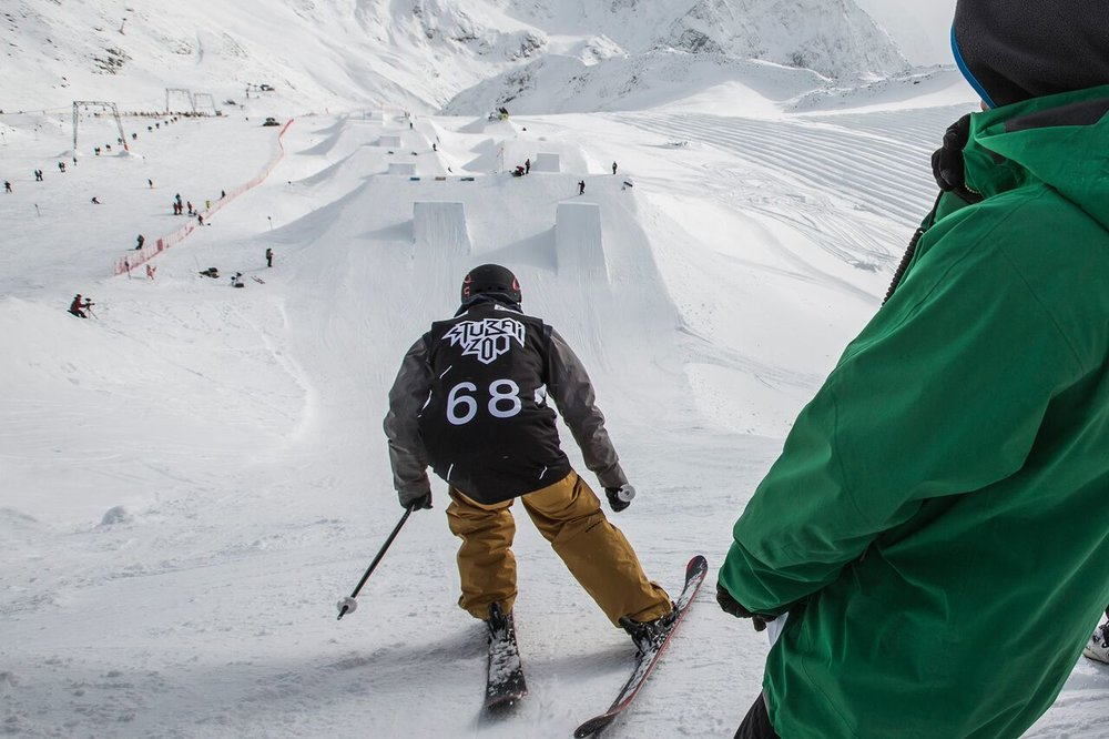 Zábava v snowparku Stubai ZOO - © Flo Breitenberger