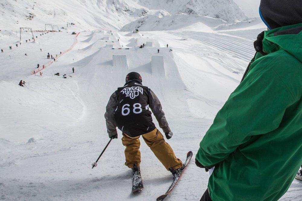 Zábava ve snowparku Stubai ZOO - © Flo Breitenberger