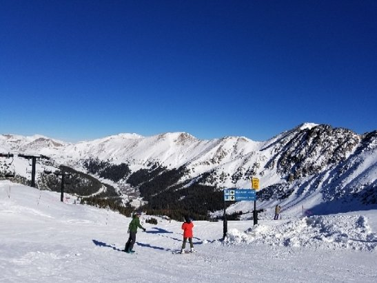 Arapahoe Basin Ski Area - Great day Sunday for how bad this year has started. Started off really cold, then warmed up to high 20's up top and mid 30's at the base. Trails were mainly hard pack, with minimal ice. No rocks or other obstacles exposed on 95% of open terrain. Lines were decently long but moved fast. The upper mountain had better conditions in my opinion. There were plenty of closed trails that appeared to be good enough to ski on. I suspect they are saving these for Christmas as more could have been open. Their small feature terrain park was open as well. If you are debating between Winter Park and A basin, choose A Basin hands down.  - © YoDood