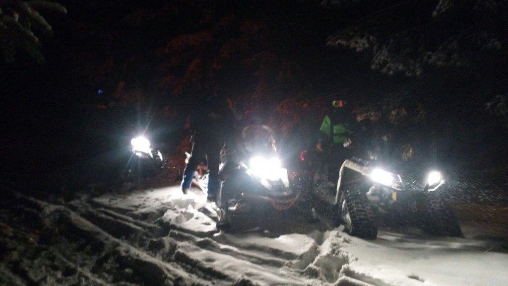 Záchranári pomáhali dvom zablúdeným lyžiarom - © www.hzs.sk