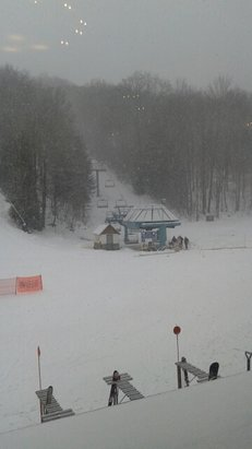 Holiday Valley - Fresh snow after the rain on Saturday and no crowds.  Good day of skiing. - © go ski