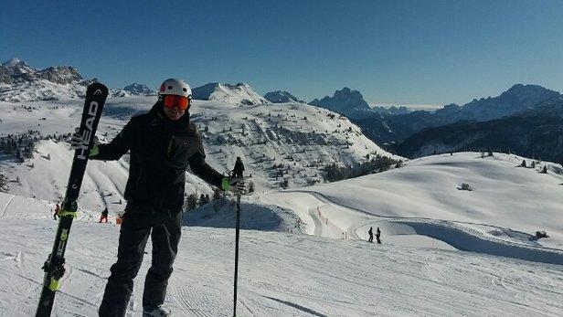 Campitello di Fassa - Col Rodella - Sellajoch - tanta neve... oggi molto freddo.. al mattino piste top, al  pomeriggio con gobbe..  - © Sergio