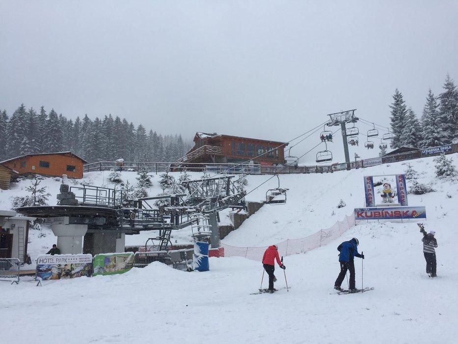 Zasnežená lyžovačka na Kubínskej holi, 29.12. - © Ski Park Kubínska hoľa facebook
