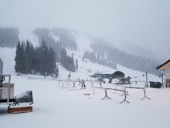 Arapahoe Basin Ski Area - snowing 