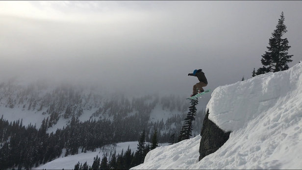 Stevens Pass Resort - Sticky snow yesterday, anything in trees was garbage, groomers were fast and fun, sidehits all day - © Nicks iPhone