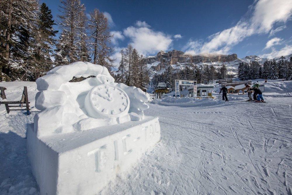 "Alta Badia - Le sculture di neve di ""Arte in pista"" - © Alta Badia Facebook"