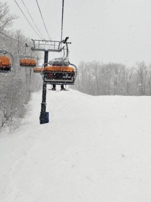 Okemo Mountain Resort - non-stop snow all day, riding single chairs and fresh turns, powder on top of rideable edgeable hardback, nice day - © Jonny V