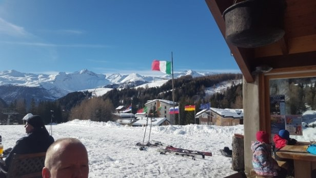 Madesimo - Great ski conditions but some lifts closed due to potential avelanche. Staying on Piste. - © anonymous