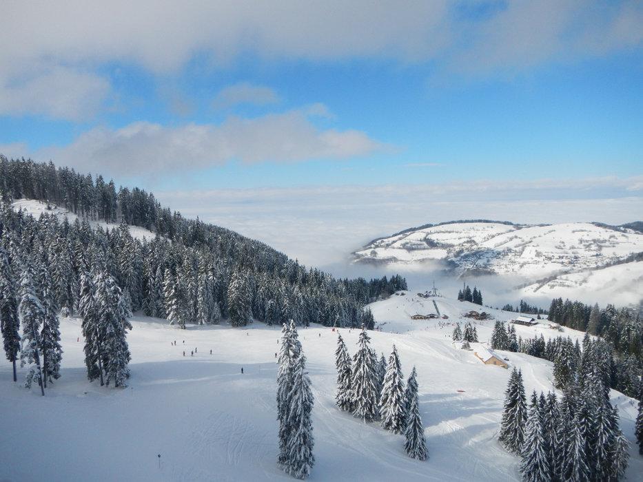 Vue sur le domaine skiable de Bernex