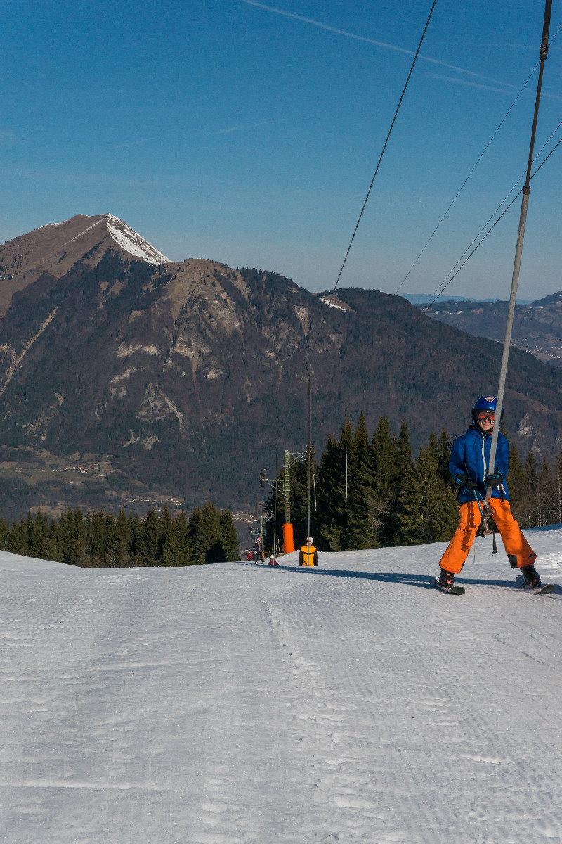 Belle journée de ski sur les pistes du Mont Saxonnex - © Office de Tourisme Intercommunal Cluses Arve & montagnes