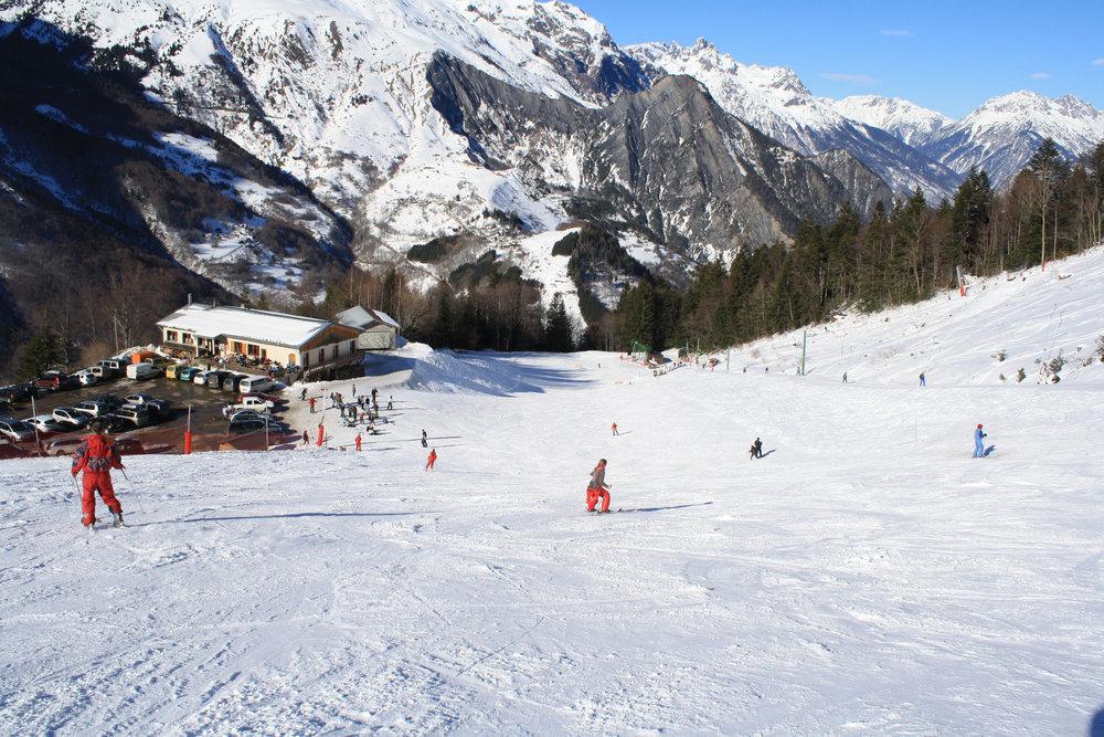 Belle journée de ski sur le domaine skiable du Col d'Ornon - © Jean-Hervé Ameller