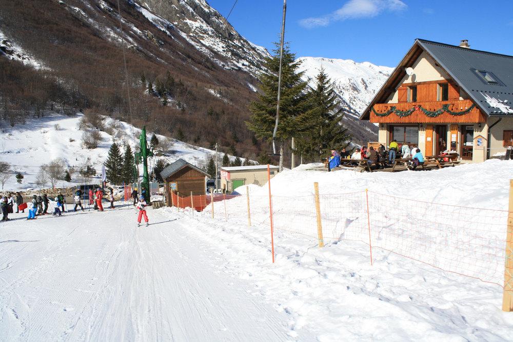 Les joies de la glisse et du ski sur les pentes enneigées du Col d'Ornon - © Jean-Hervé Ameller