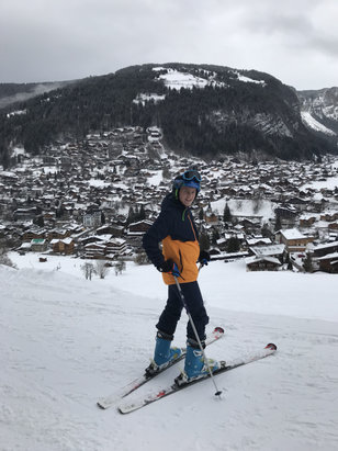 Morzine - Great snow, great skiing, another 5 cm in resort last night!   - © Andrew's Iphone 7
