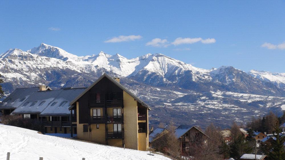 Les résidences de Laye en Champsaur au pied des pistes de ski - © Stéphane GIRAUD-GUIGUES / Skiinfo