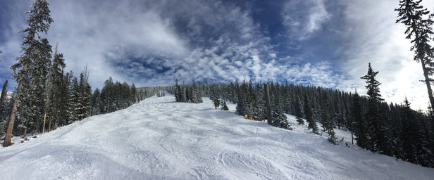 Arizona Snowbowl - Sooo good out there! Winter is back for Northern Arizona! Woot woot - © Alejandro