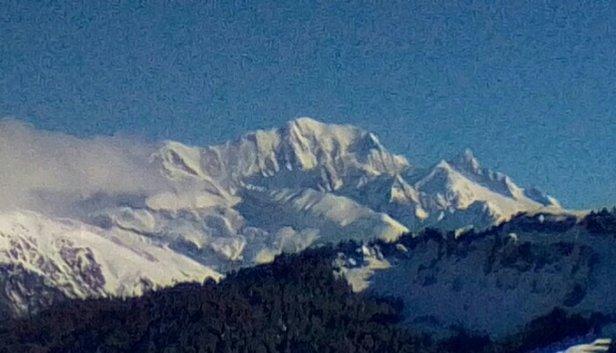 Areches Beaufort - Belle chute de neige et maintenant grand soleil plus une magnifique vue sur le Mont Blanc !!! - © BIBI du 42 et 73