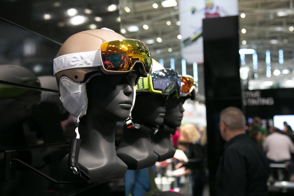 UVEX predstavil novú kombináciu lyžiarskych okuliarov a prilby - © Skiinfo | Sebastian Lindemeyer