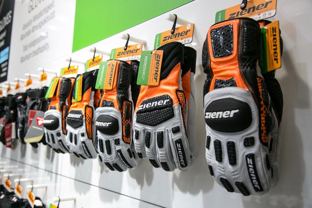Ziener Race handschoenen - © Skiinfo | Sebastian Lindemeyer