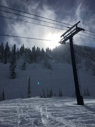 Stevens Pass Resort - Another 4 inches and then the sun came out. Zero lift lines - © tamoose1