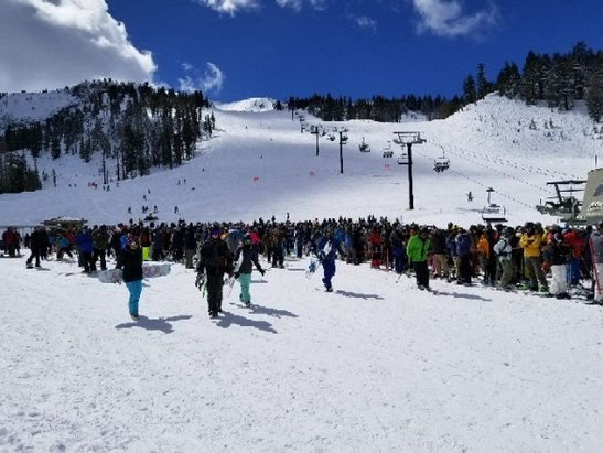 Mammoth Mountain Ski Area - Crowds on Chair 2 Sunday after storm. Crazy. But mountain was evacuated Saturday for avalanche. A lot of people stayed for Monday too it was so good. No wind.