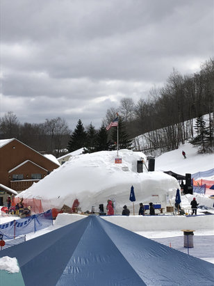 Holiday Valley - Holiday valley Mardi Gras weekend. Ice bar was great, lift lines long - © Thomas  Burkardt's iPhon