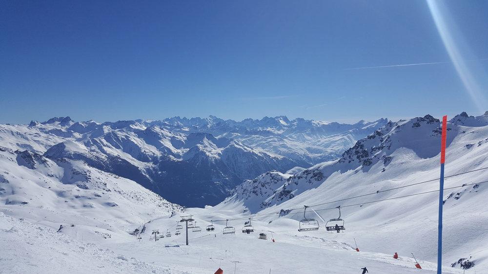 A vous l'immensité du domaine skiable des 3 Vallées depuis Orelle... - © Station de ski d'Orelle les 3 Vallées