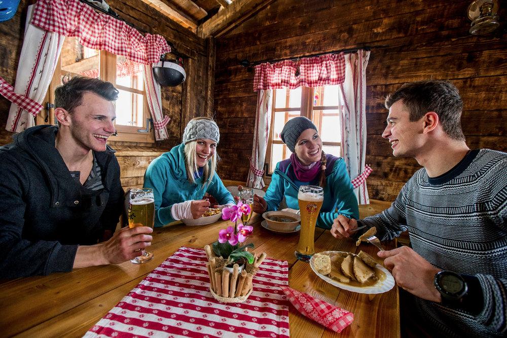 Jause im Skigebiet Lachtal - ©  Ikarus   Tom Lamm