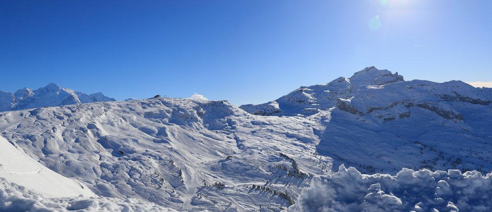 Panorama grandiose depuis le domaine skiable de Flaine - © OT Flaine / Monica Dalmasso
